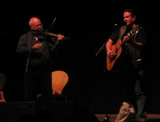 Brian McNeill & Dick Gaughan © Walkin' Tom